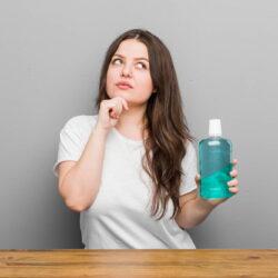 Czy warto stosować płyn do płukania jamy ustnej? - Dentysta